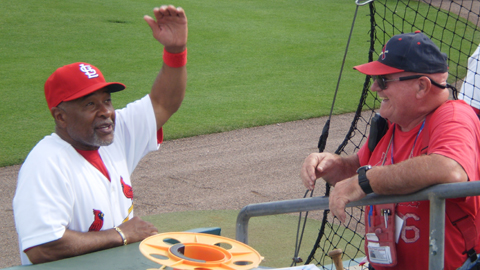 Ozzie Smith not shying away from an autograph